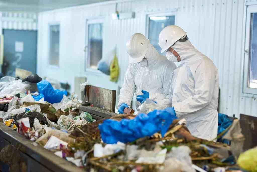 Trash Sorting on Waste Processing Plan
